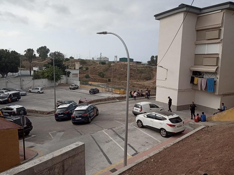 Un guardia civil se suicida de un tiro en la cabeza tras disparar a su mujer en Los Rosales