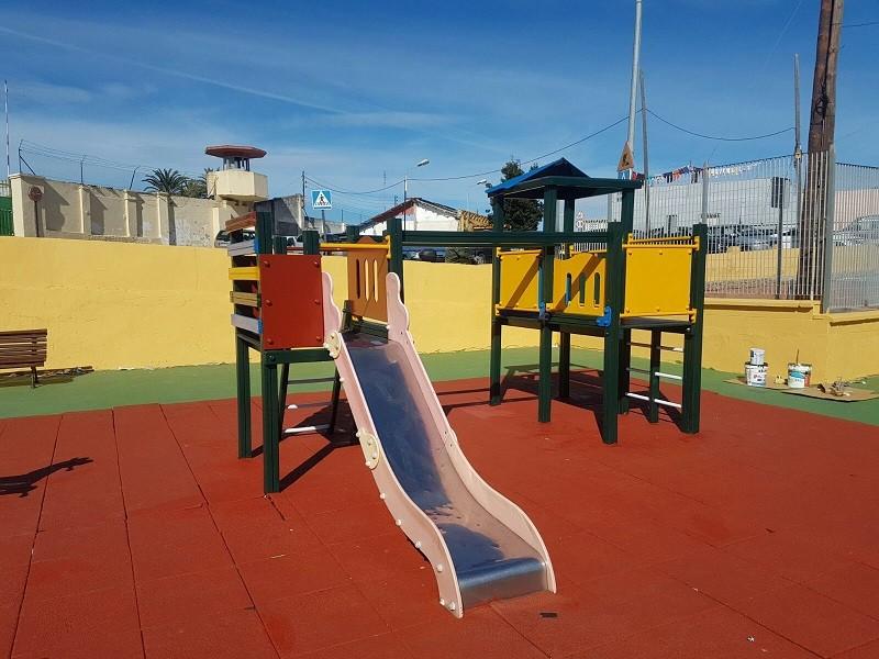 Soriano Trabajos De En Parque Infantil Bermudo El Finalizan Los SVMpUzq