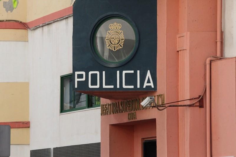 3a3a3393dd34 Detenido por dejar su teléfono móvil grabando en el interior del ...